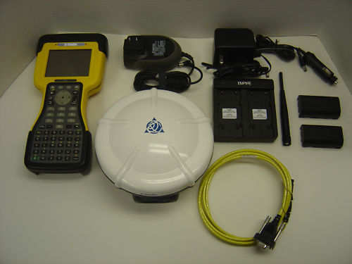 Trimble_R8_Model_2_GNSS_RTK_GPS_Receiver_with_TSC2__02904_zoom.JPG